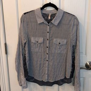 FREE PEOPLE BUTTONED DOWN SHIRT WITH SHEER BACK